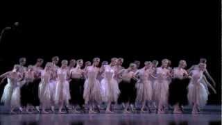 今年7月、3年ぶりに来日する英国ロイヤル・バレエ団。 芸術監督も務めた...