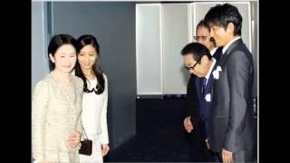 秋篠宮妃紀子さまと佳子さまが、公開中の映画「風に立つライオン」を鑑...