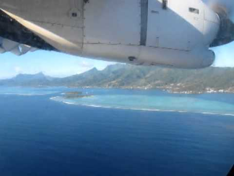 Air Tahiti Landing in Raiatea (ATR72)