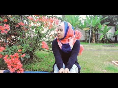 Nona Kampong Pisang  ( cipt. Bredhicx Poitz ) - Voc : Ola Gamalama