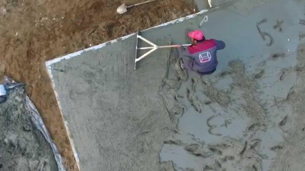 Чем разгладить бетон лестница из бетона заказать