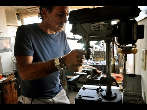 Jorge Gil: The Titanium Jewelry maker of Havana