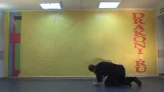 Обучающее видео break dance(брейк-данс): windmill (гелик)(Школа танцев «Драконы» (www.DRAKONI.ru): профессиональное обучение верхнему и нижнему break dance, hip-hop., 2008-09-19T03:33:24.000Z)