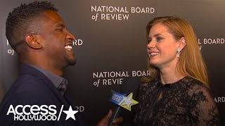 'Arrival's' Amy Adams On How She Chooses Her Golden Globes Gown