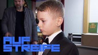 Komischer Klavierunterricht: Warum muss Jonas einen Anzug tragen? | Auf Streife | SAT.1 TV