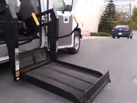 Rampa hidraulica century para silla de ruedas youtube for Sillas para discapacitados