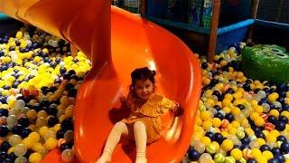 Ayşe Ebrar Pretend Play at Indoor Playground!!!!
