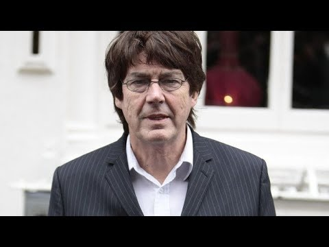 Mike Read Interview 2018 - NEW Radio station UNITED DJS - BBC Radio 1 / Luxembourg