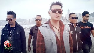Video FIVE MINUTES - TERDAMPAR DI HATIMU [Official Music Video] download MP3, 3GP, MP4, WEBM, AVI, FLV Desember 2017