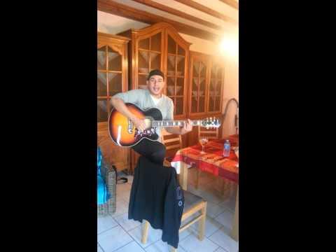 Daniel Viana cantando (O amor deixou a gente)