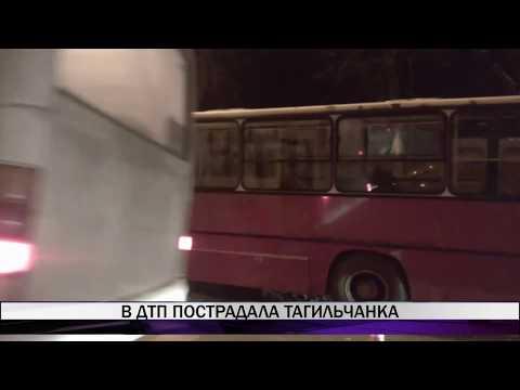 """В Нижнем Тагиле автобус """"Икарус"""" врезался в светофор"""