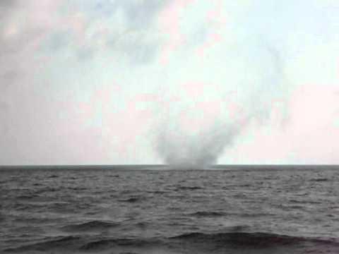 Tornado in Ureki part 1.AVI