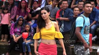 Mizo men heckle and misbehave with Mizo girls at Indian fashion show
