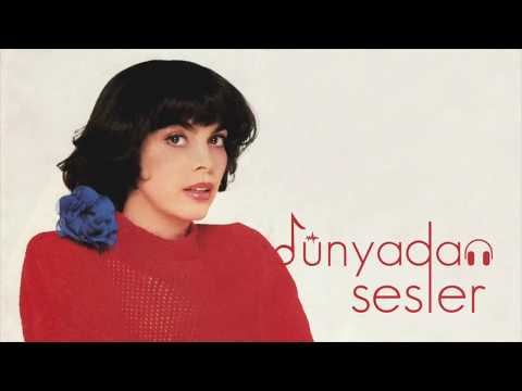 Mireille Mathieu - Une Femme Amoureuse (English, Türkçe Lyrics)