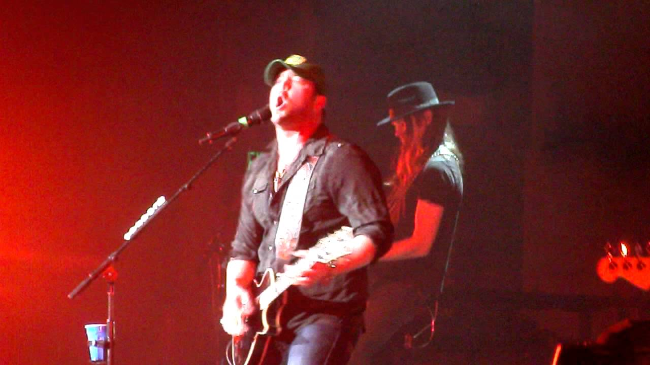 Lee Brice Four On The Floor Live 11 3 11 Youtube
