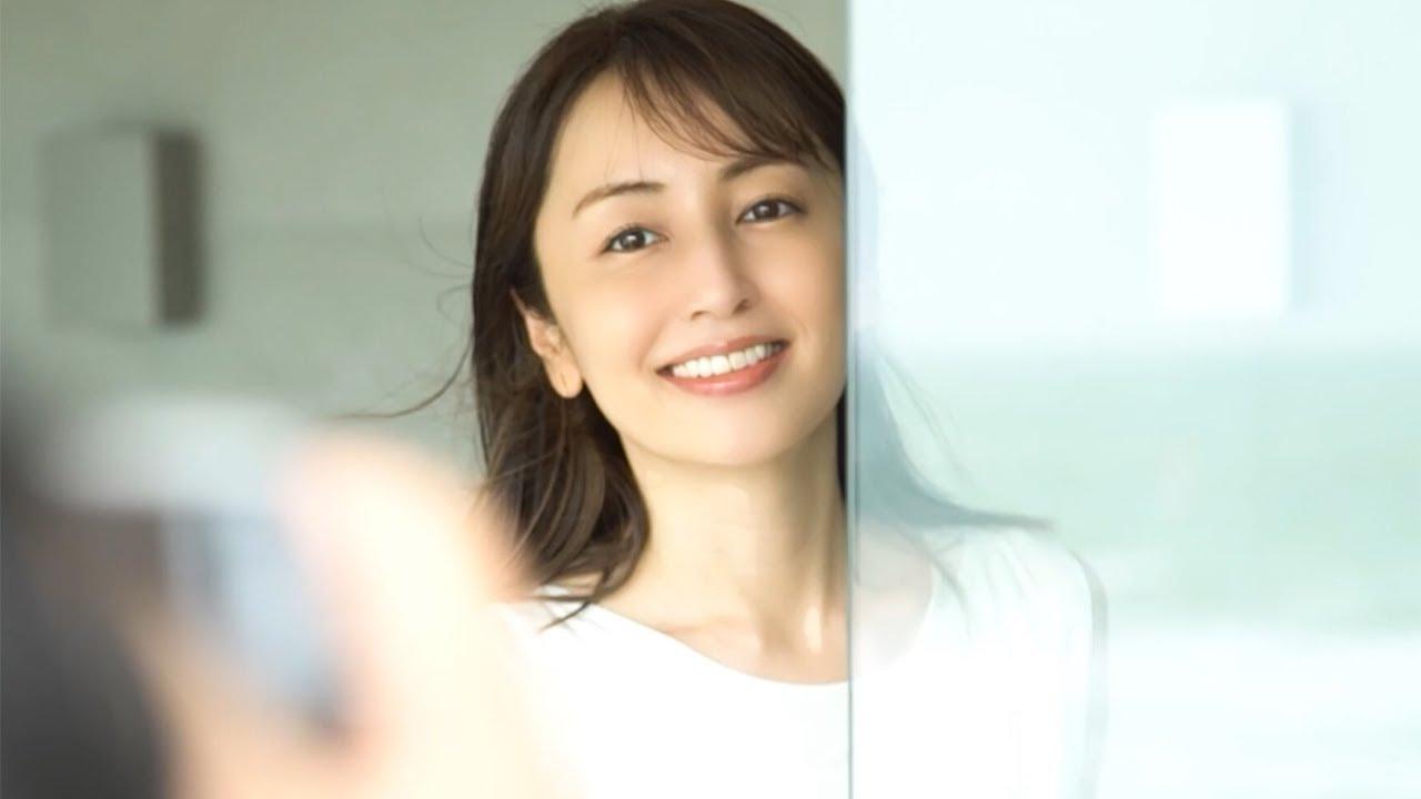 矢田亜希子、美肌披露 スキンケアのこだわりも明かす 「Feel the HALO」アンバサダー就任