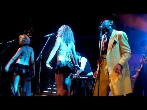 Caroline Was a Dropout. Kid Creole and the Coconuts, Nikki Beach Marbella, 2011
