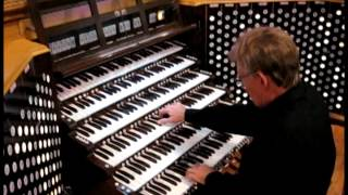David Hegarty at the 389-rank Harrah Symphonic Organ