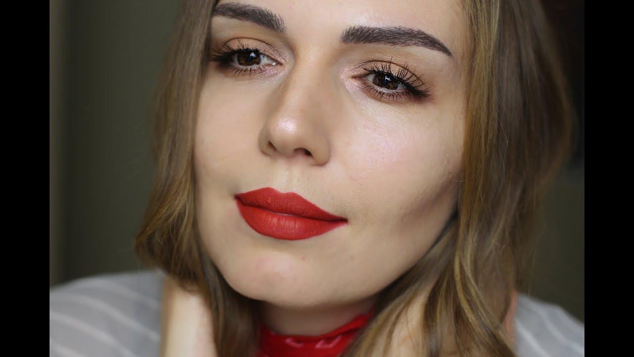 Kırmızı Ruj Makyajı Nasıl Yapılır