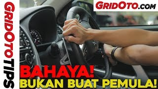 Cara Putar Setir Mobil Metode Hand Over Hand | How To | GridOto Tips