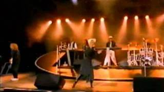 Watch Roxette Dance Away video