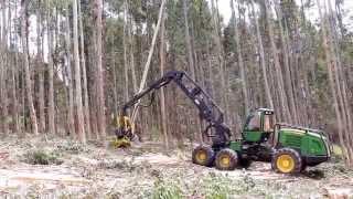 Harvester John Deere 1270E with H215E