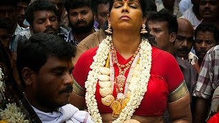 Kodungallur Bharani Paattu (Ritual of abuse at the goddess in bawdy language & songs)
