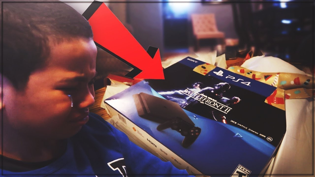 9 YEAR OLD BROTHER GETS A FAKE PS4 FOR CHRISTMAS PRANK! HE BROKE ...