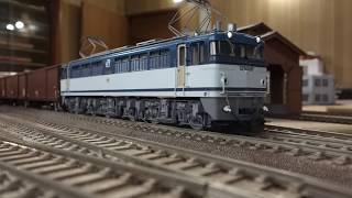 1990年代にはよく見られたワム80000が連なった貨物列車です。 今では2軸...