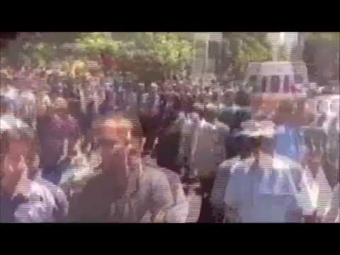 Iran Thousands of people demonstrated outside of the Bank Markazi in Tehran