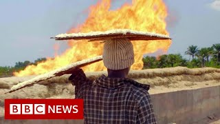 The toxic gas flares fuelling Nigeria's climate change - BBC News