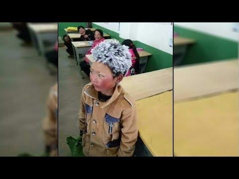 8 jähriger kommt mit gefrorenem Kopf zur Schule, Lehrer schaut genauer und es bricht ihm das Herz!