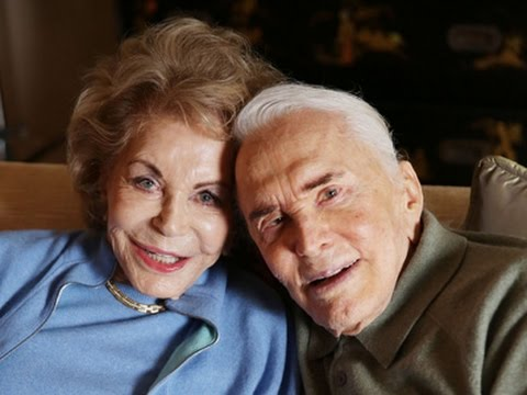 Kirk Douglas Reflects On Romance Family In Book