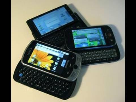 Gadget Brawl: Motorola Cliq vs