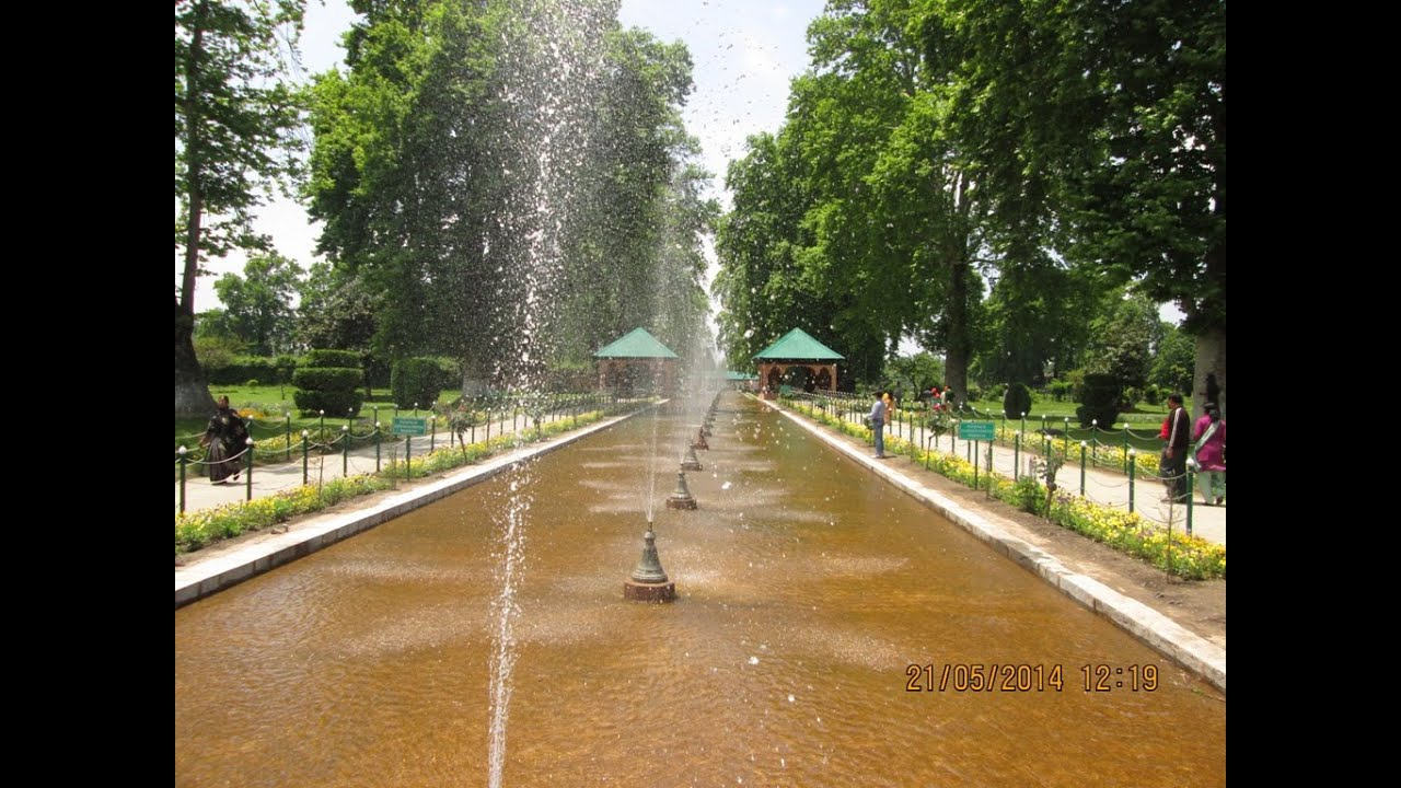 Magnificient Fountains At Mughal Garden Shalimar Bagh ...