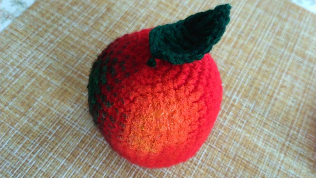 Красим вязаное яблоко гуашью
