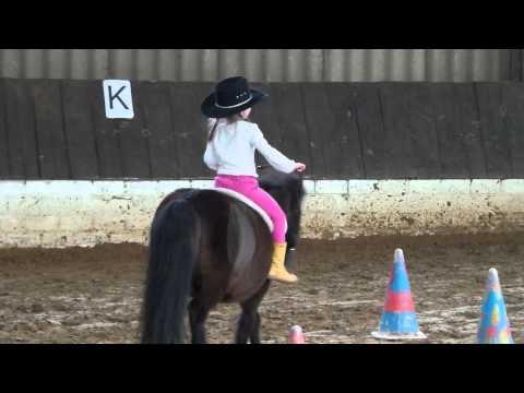 Walk your horses please....