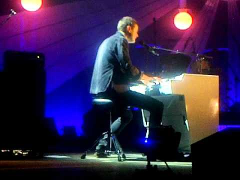 """KEANE  """" HAMBURG SONG""""@ ETTELBRUCK 2012 LUXEMBOURG(PHONE VIDEO)"""