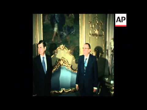 SYND 18 5 75  GREEK AND TURKISH FOREIGN MINISTERS MEET IN ROME