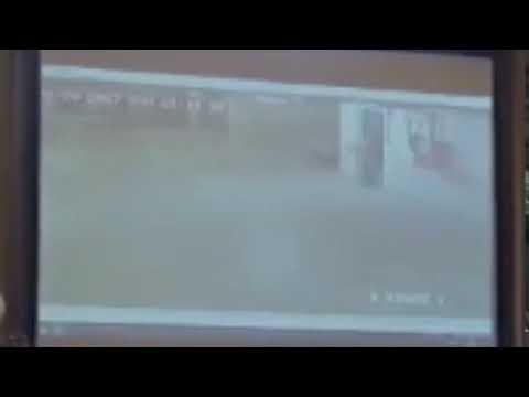 Így cipelte a garázsban VV Fanni meztelen testét a gyilkosa - kamerafelvétel