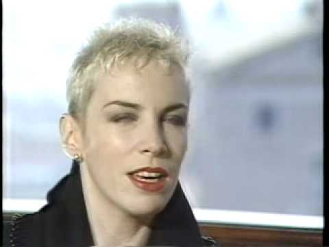 Eurythmics WE TOO ARE ONE '89 Interview (2/3)