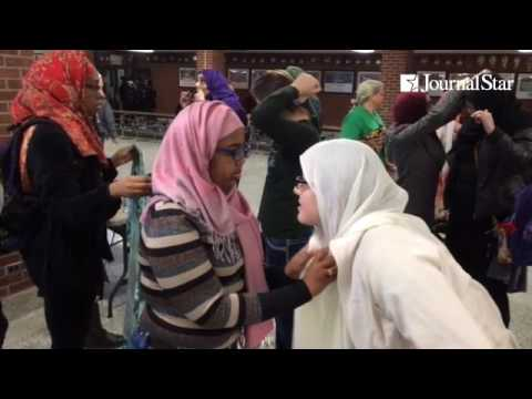 Richwoods High School students join Muslim Student Association classmates in observing World Hijab D