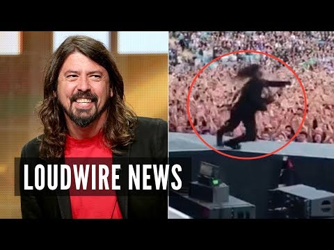 Dave Grohl Pranks Crowd With Broken Leg Stunt