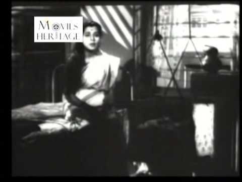 Aankhon Ke Taare by Lata Mangeshkar - Badi Maa (1945)