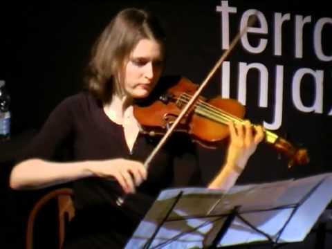 Alexandra Filonenko Hommage a memory A.Schnittke für Violine solo.avi