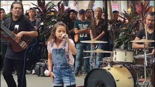 KESAL-adik danisa feat Sentuhan buskers cover ella,memang rock mantap