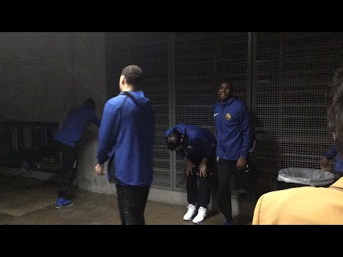 Pregame tunnel action, Warriors vs Pelicans from Smoothie King Center in New Orleans