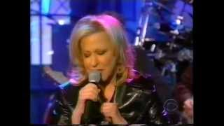 Watch Bette Midler Lullaby In Blue video