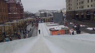 . Москва. Самая большая ледяная горка России на площади Революции(Площадь Революции Прямо под стенами Кремля можно спуститься с семиметровой горки, которую создали из 1300..., 2016-12-18T16:08:18.000Z)