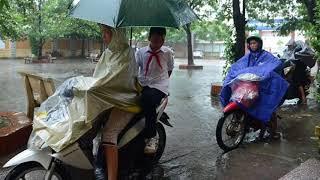 Học sinh Hà Nội có thể nghỉ học tránh bão số 4